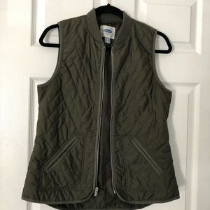 Old Navy Jackets & Coats - Olive green quilted Old Navy Vest